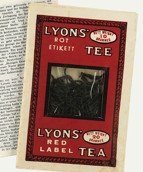 Camouflaged publication: Lyon's tea, London 1939